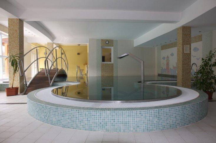 vnútorný bazén wellness horský hotel remata